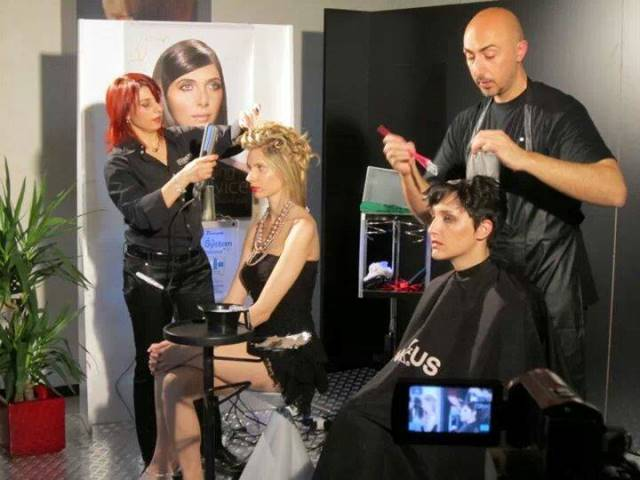 Parrucchiere Donna e Uomo AleXperience - Genova